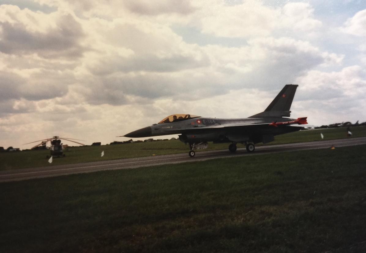 F-16 nb E-184. Danii. 2005 rok. Zdjęcie Karol Placha Hetman