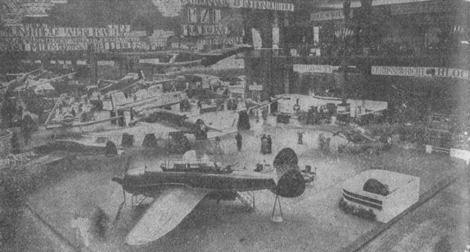XVI Aviation Salon in Paris in 1938. Photo of LAC