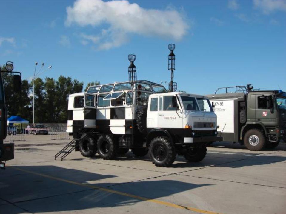 Mobilne Stanowisko Kierowania Lotami na podwoziu samochodu Star. 2008 rok. Zdjęcie Karol Placha Hetman