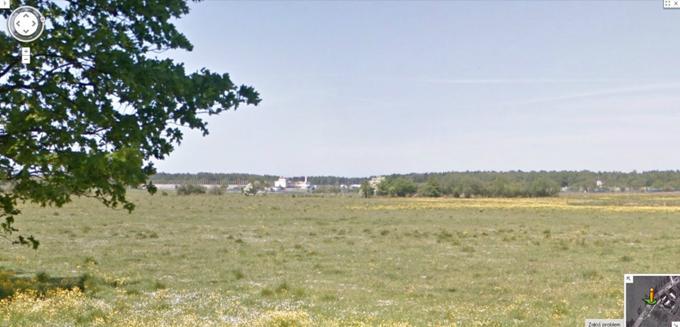Lotnisko Darłowo. Widok z Drogi Wojewódzkiej Nr 203. 2013r. Zdjęcie Google Mapy