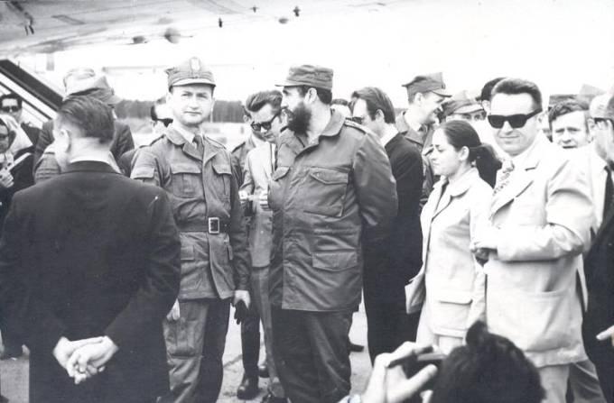 Komendante Fidel Castro i generał Wojciech Jaruzelski na Lotnisku Mirosławiec. 1972r.
