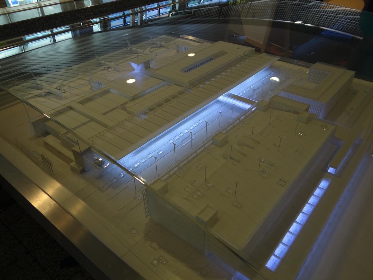 Makieta rozbudowanego terminalu nr 1. 2012 rok. Zdjęcie Karol Placha Hetman