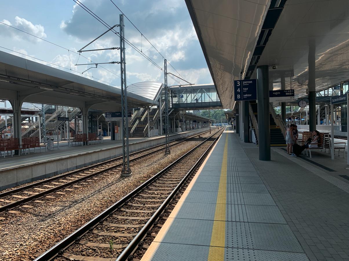 Szczecin Główny. Widok w kierunku południowym. 2021 rok. Zdjęcie Karol Placha Hetman