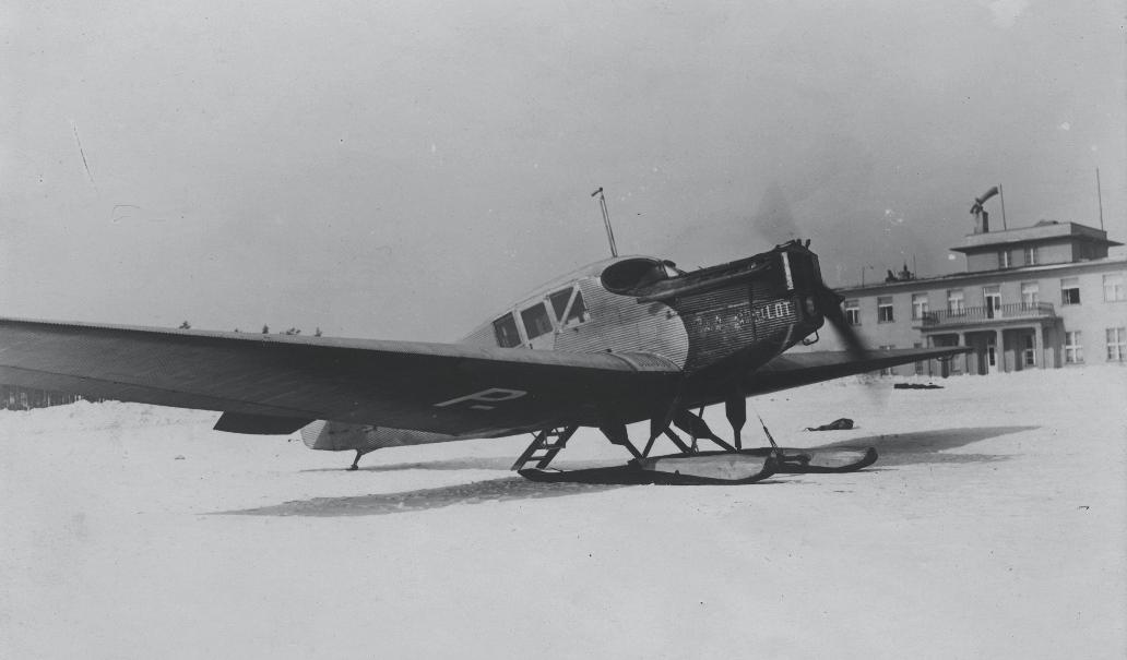 Polski Junkers F-13 z nartami. 1929 rok. Zdjęcie Aerolot