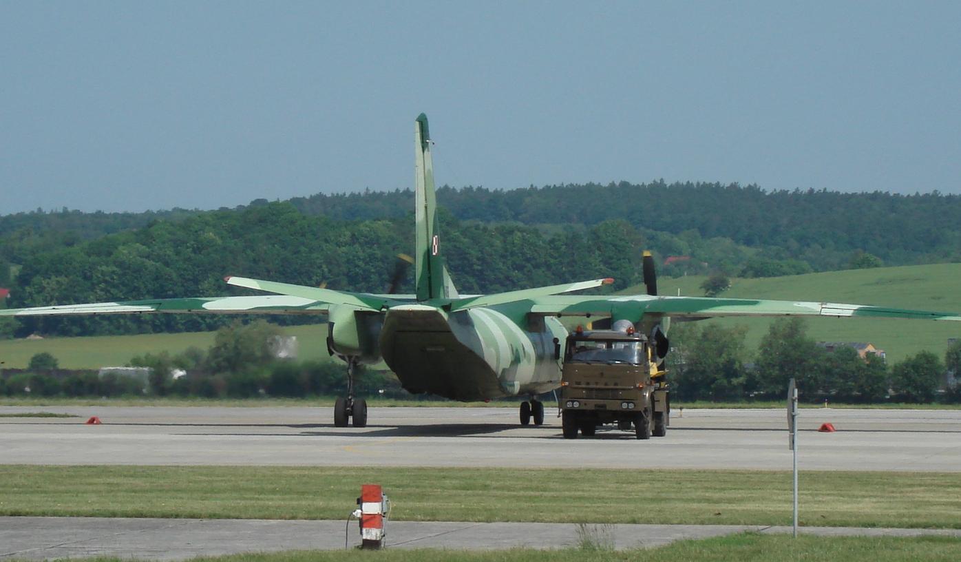 An-26 nb 1606. Balice 2008. Photo by Karol Placha Hetman