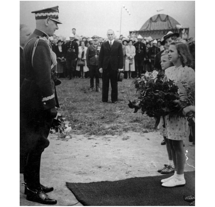 Welcoming of the Commander-in-Chief of the Republic of Poland, Marshal Edward Śmigły-Rydz. Świdnik on 4 June 1939