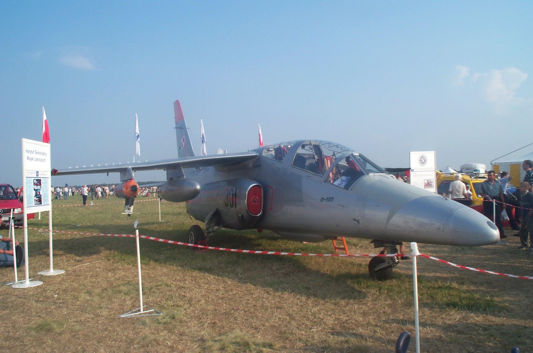 PZL I-22 Iryda M-93M nb 0301. Air Show Radom 2002. Photo by Dawid Kasprzyk.