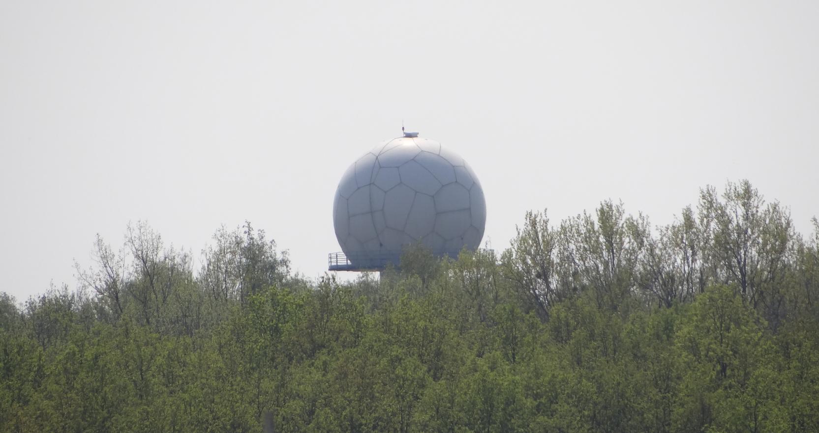 Lotnisko Strachowice. Stacja radiolokacyjna, radar pogodowy. 2018 rok. Zdjęcie Karol Placha Hetman