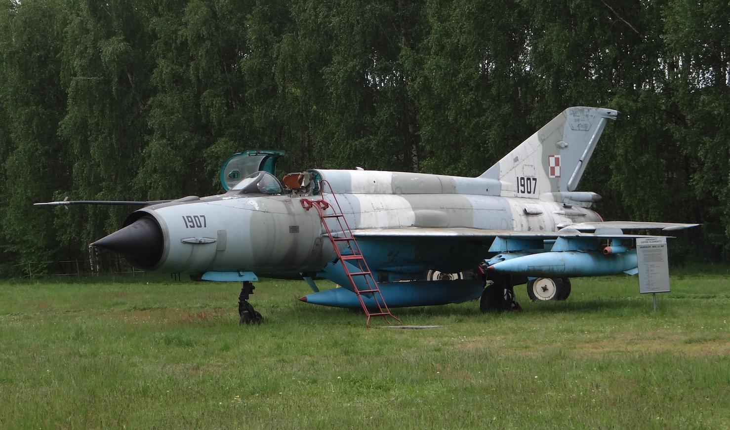 MiG-21 M nb 1907. 2021 rok. Zdjęcie Karol Placha Hetman