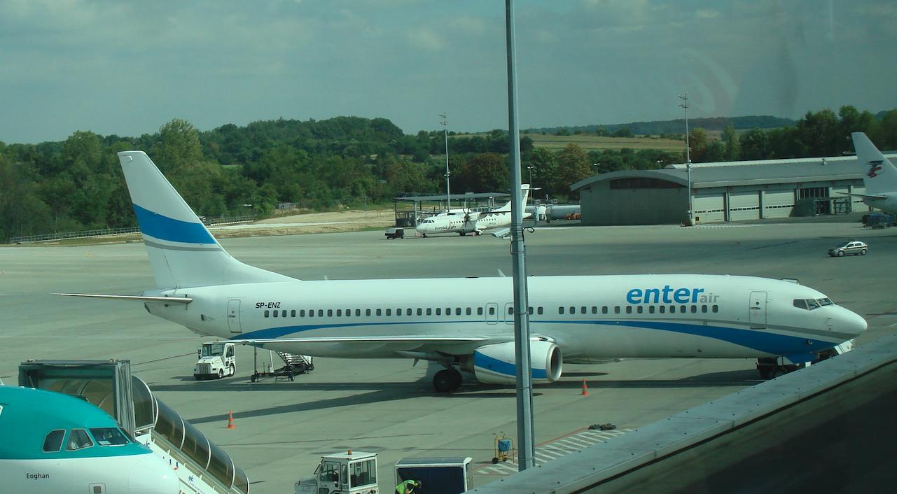 Boeing B.737-85F registration SP-ENZ, Enter Air. Balice 2011. Photo by Karol Placha Hetman