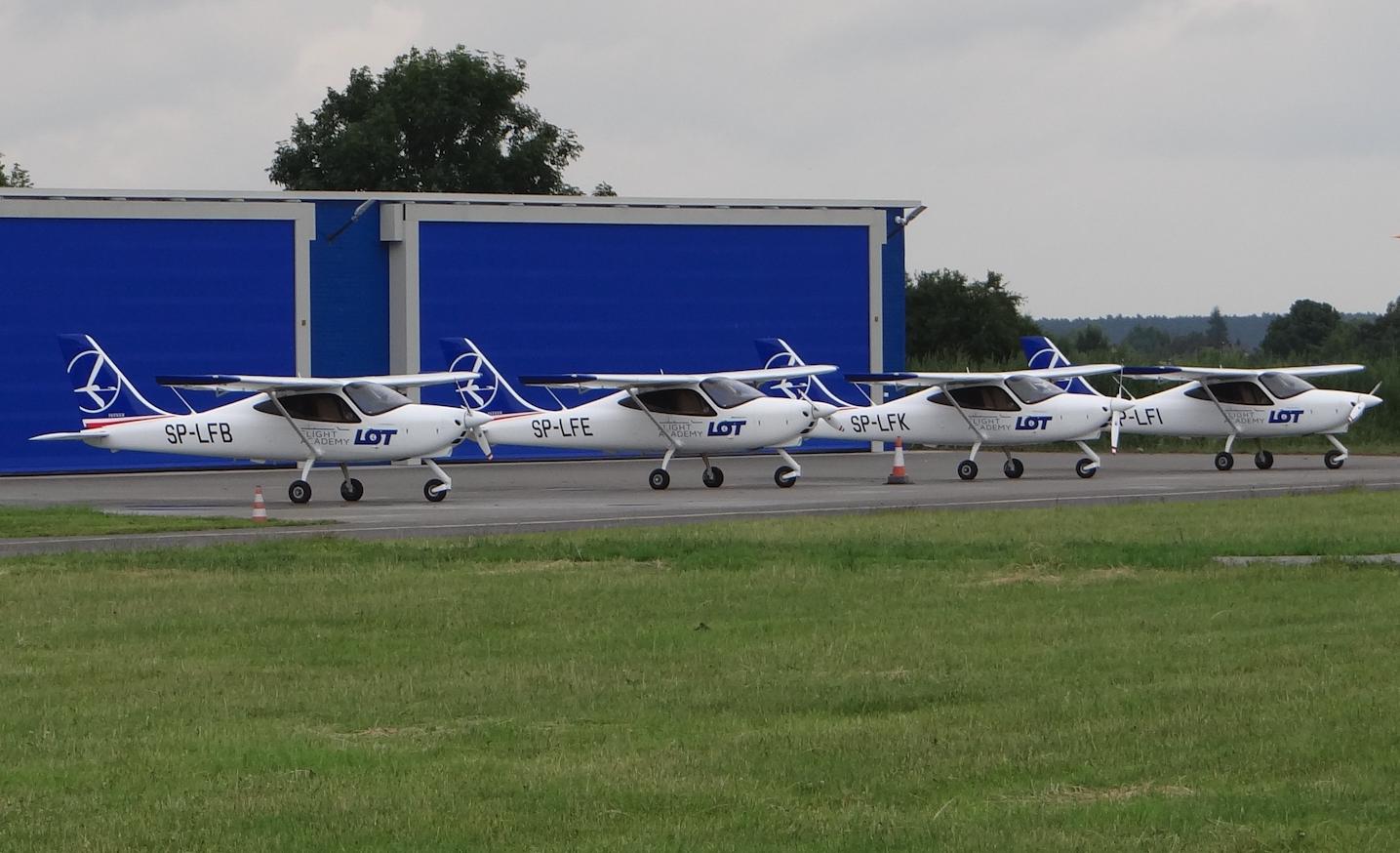 Cztery samoloty Tecnam P2008. 2021 rok. Zdjęcie Karol Placha Hetman