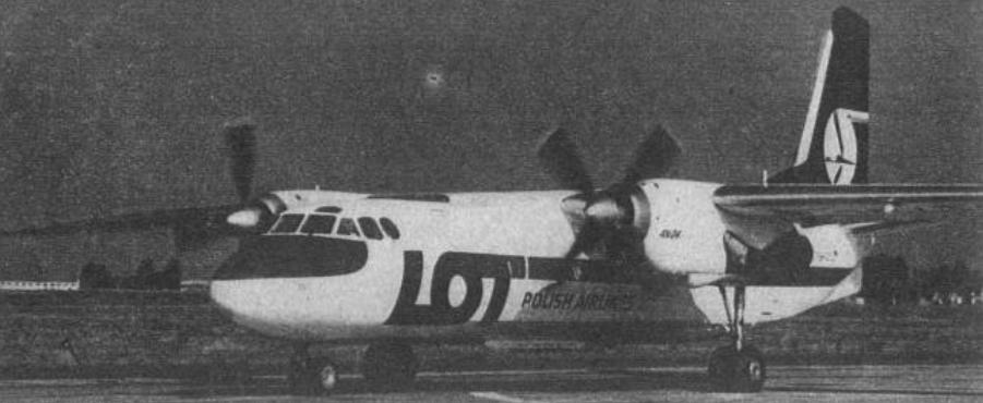 An-24 W PLL LOT SP-LTD. Samolot w nowszym wzorze malowania. 1982 rok. Zdjęcie LAC