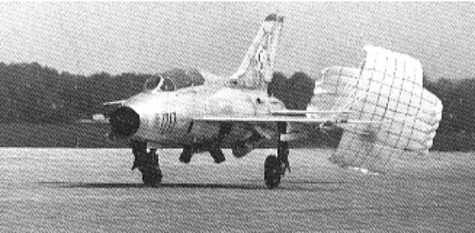 Samolot MiG-21 U typ 66-400 nb 1217 na lotnisku. 1968r.