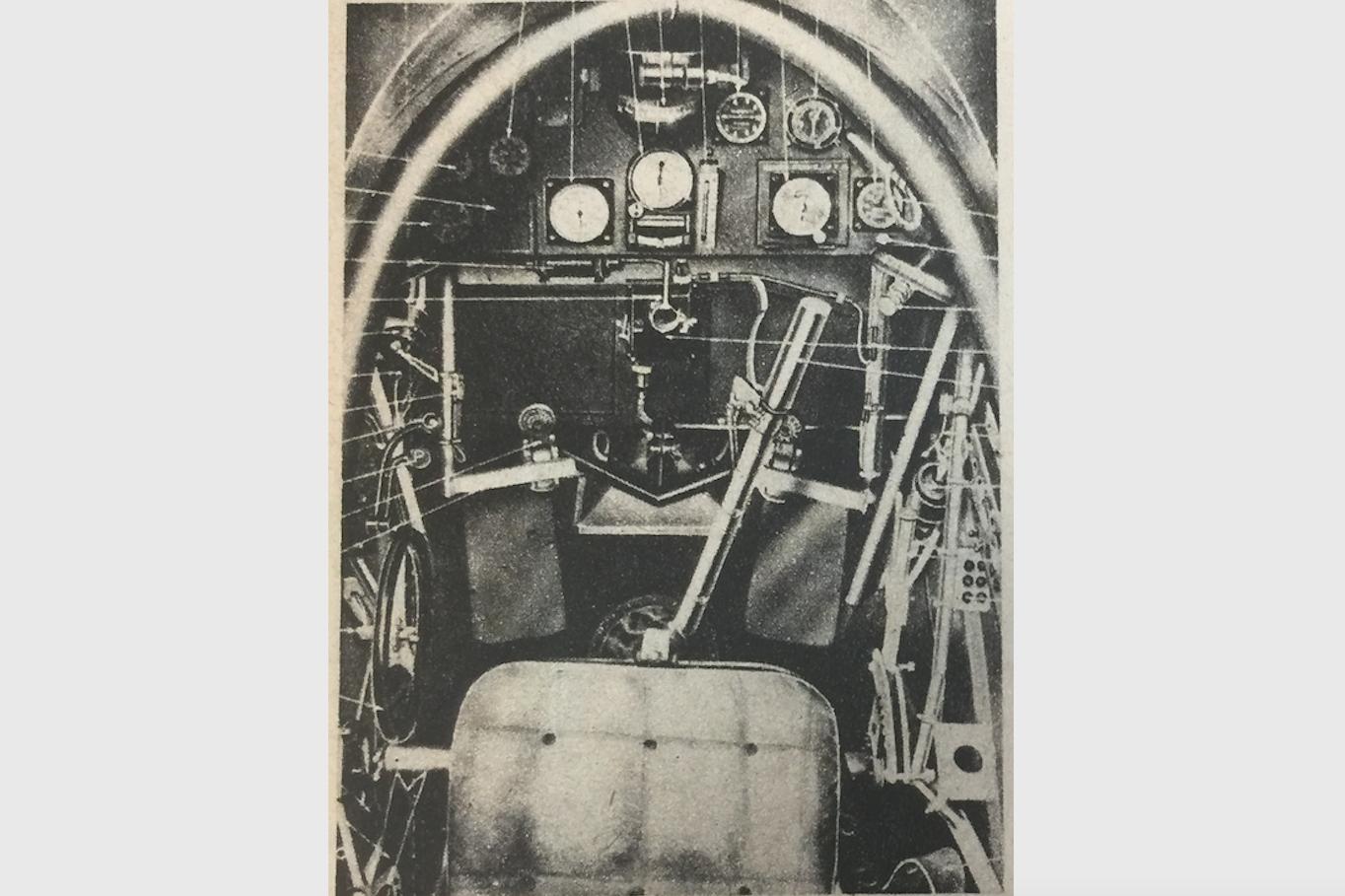 RWD-14, LWS Czapla. Miejsce pilota. 1938 rok. Zdjęcie z instrukcji obsługi