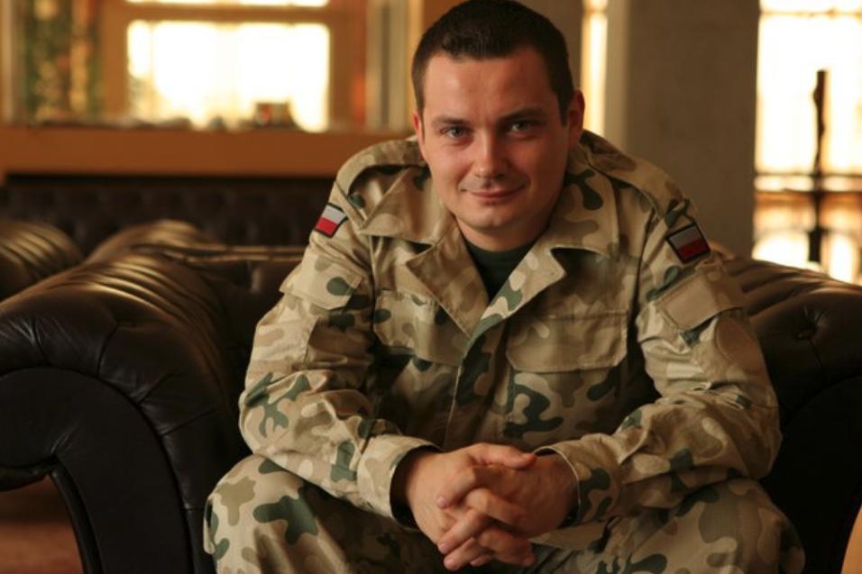 Porucznik pilot Artur Karol Ziętek – w załodze nawigator.