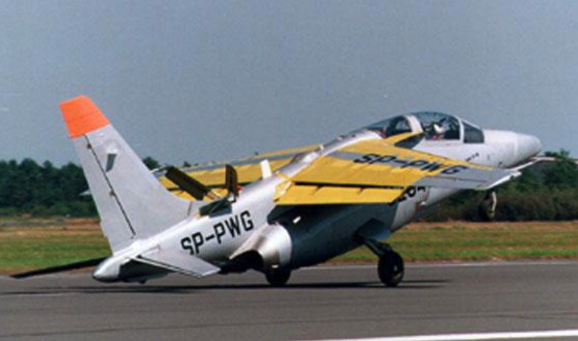 I-22 nr AN 002-04 rejestracja SP-PWG. Zdjęcie LAC