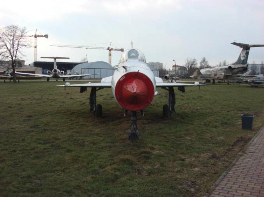 MiG-21 UM nb 9349. Czyżyny 2009 rok. Zdjęcie Karol Placha Hetman