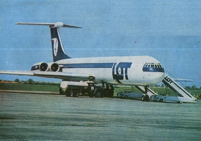 I ten sam samolot ( SP-LAE ) w nowym malowaniu i przygotowywany do zwrotu ZSRS. 1983r.