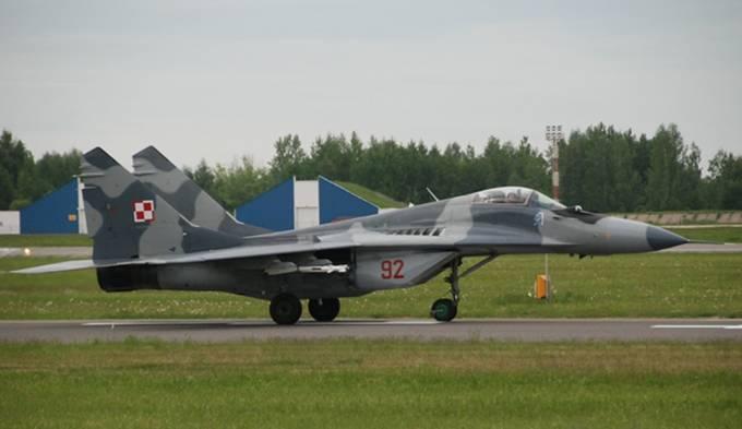 MiG-29 nb 92 nr 26392 eks-czeski, dostarczony w grudniu 1995r. Litwa 2012r.