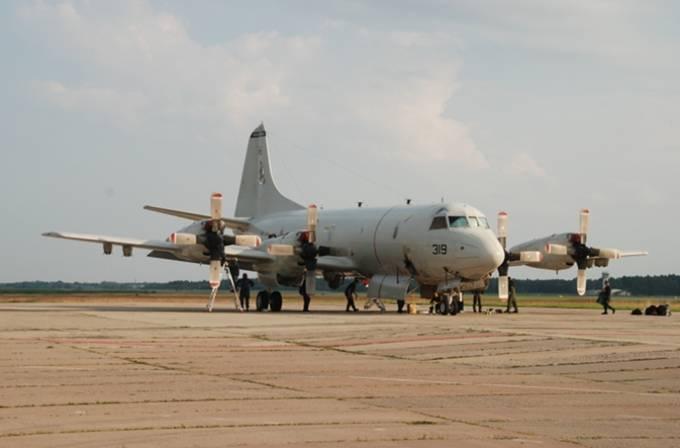 Amerykański P-3 Orion na Lotnisku w Siauliai. 27.07.2012r.