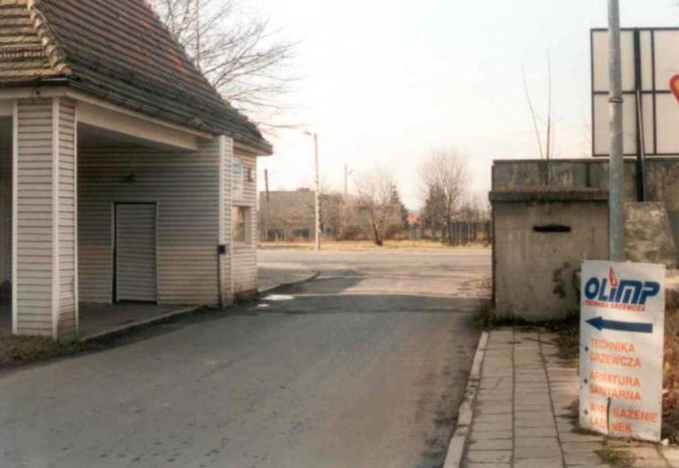 Brama na lotnisko Legnica. Zdjęcie www.fortyfikacje.legnica