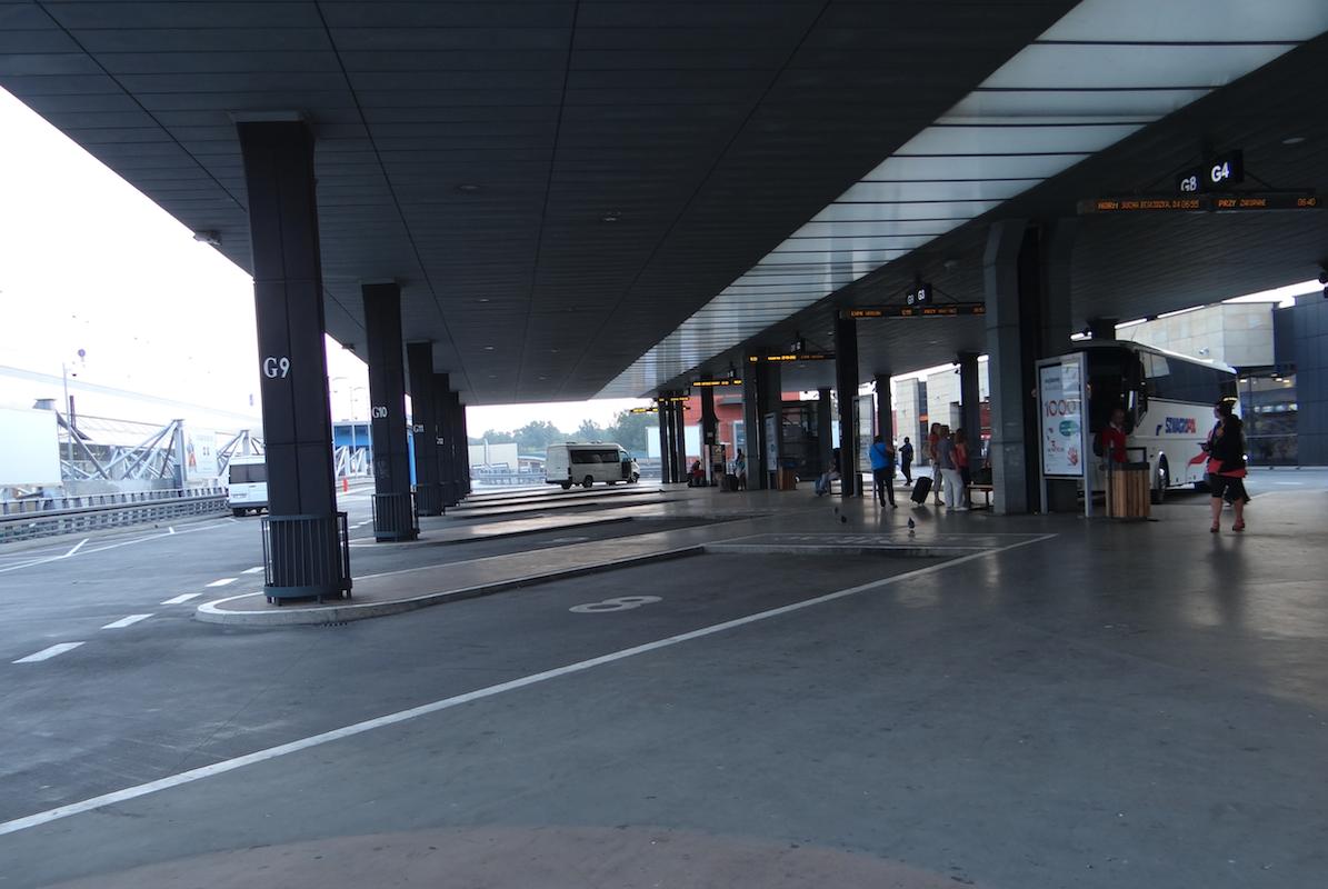 Dworzec autobusowy, górny poziom. 2012 rok. Zdjęcie Karol Placha Hetman