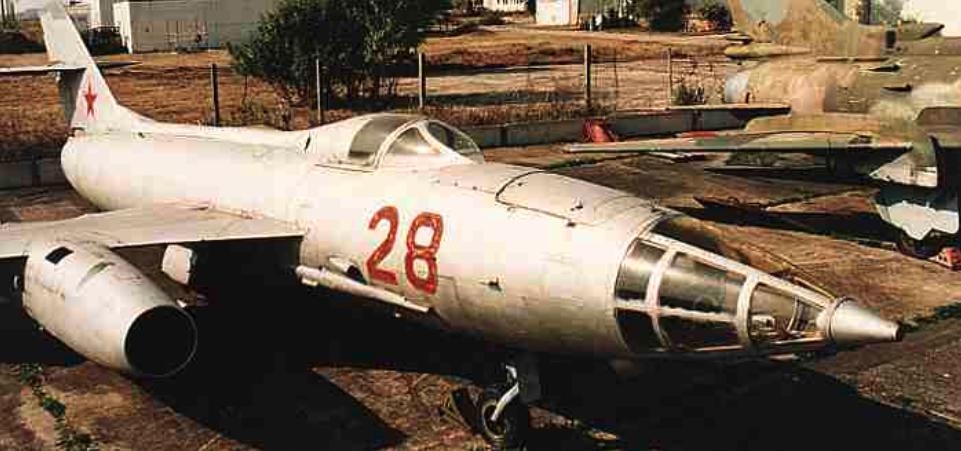 Jak-27 nb 28 w muzeum. 2006 rok. Zdjęcie LAC