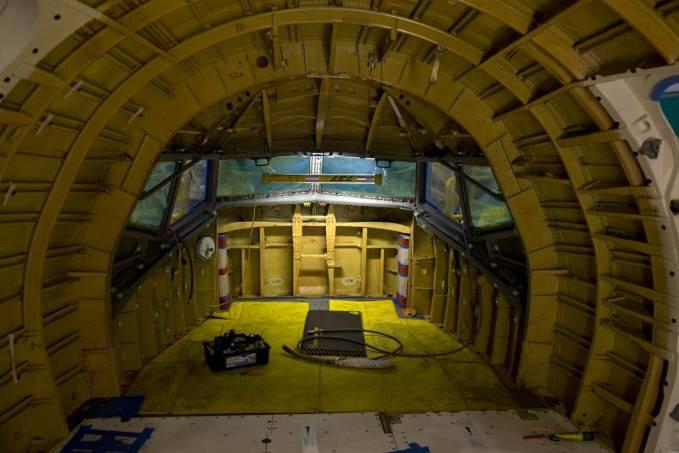 Kabina załogi w początkowym etapie montażu. Renton 2011r.