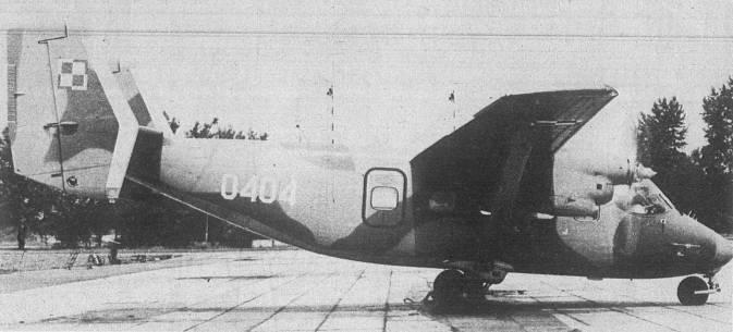 Pierwszy An-28 TD nr AJ 004-04 nb 0404 dostarczony Wojsku Polskiemu w 1988r., a trafił do MW. Silniki PZL-10 S i 3-łopatowe śmigła AW-24 AN. 1988r.
