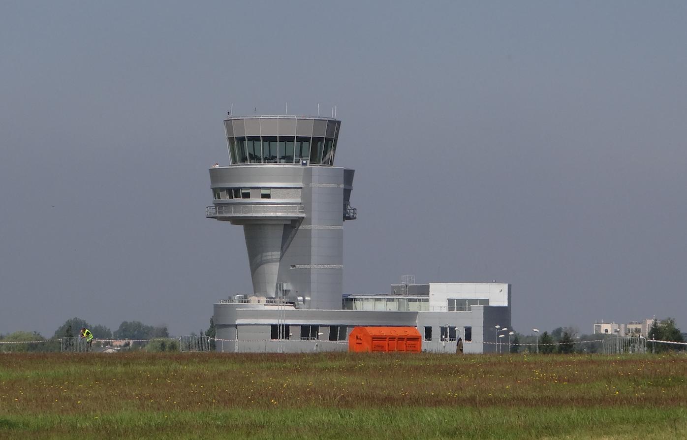 Wieża Kontroli Lotów. Lotnisko Ławica. 2015 rok. Zdjęcie Karol Placha Hetman