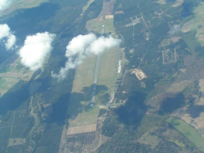 Lotnisko Siemirowice. Widok w kierunku zachodnim. 2006r.