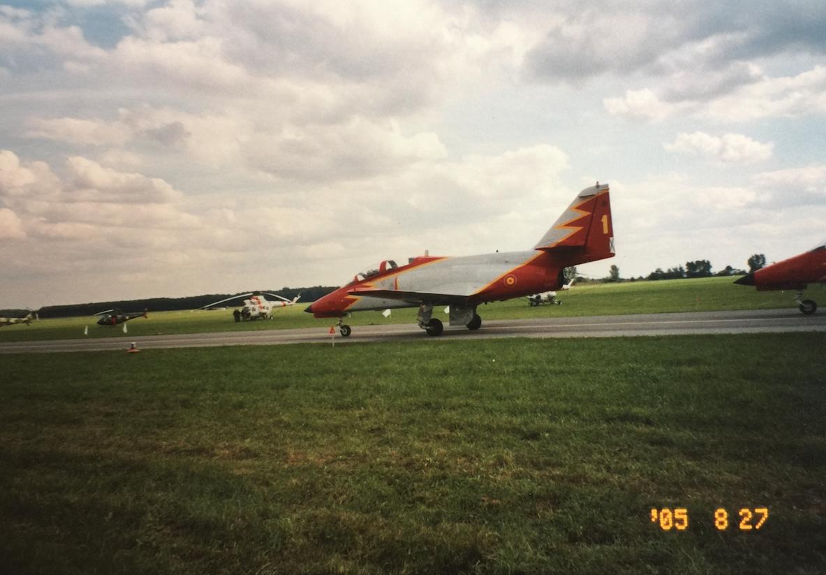 CASA C-101 Aviojet nb 1 zespołu Patrulla Aquila. Radom 2005 rok.Zdjęcie Karol Placha Hetman