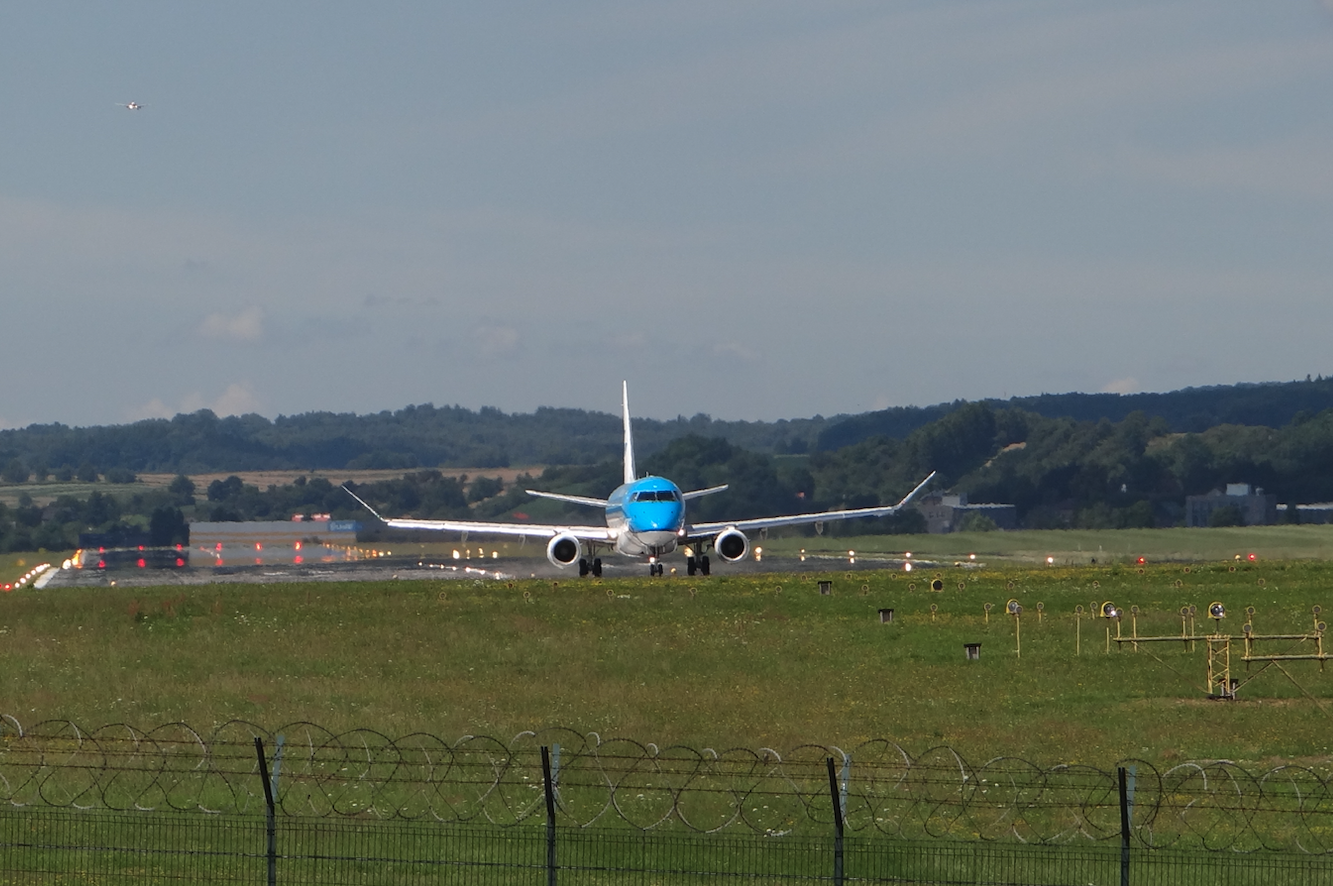 Embraer E-170. 2020 rok. Zdjęcie Karol Placha Hetman