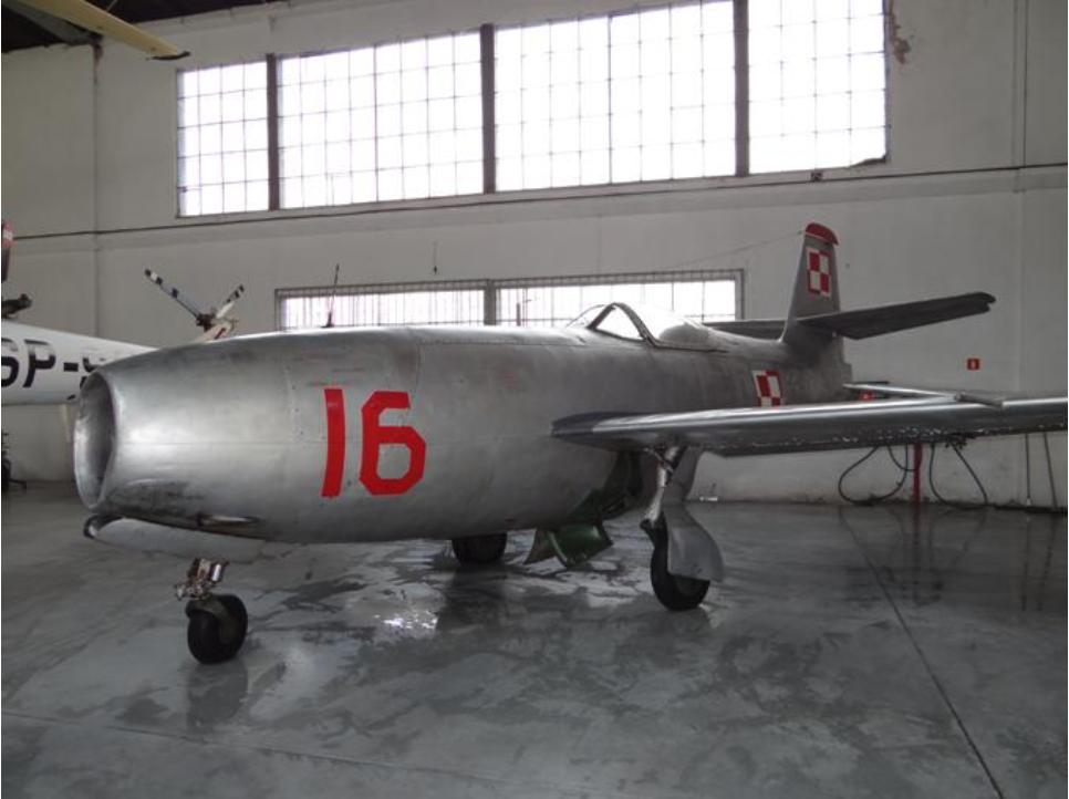 Ten sam samolot, Jak-23 nb 16 w Muzeum Lotnictwa Polskiego Czyżyny. 2012 rok. Zdjęcie Karol Placha Hetman
