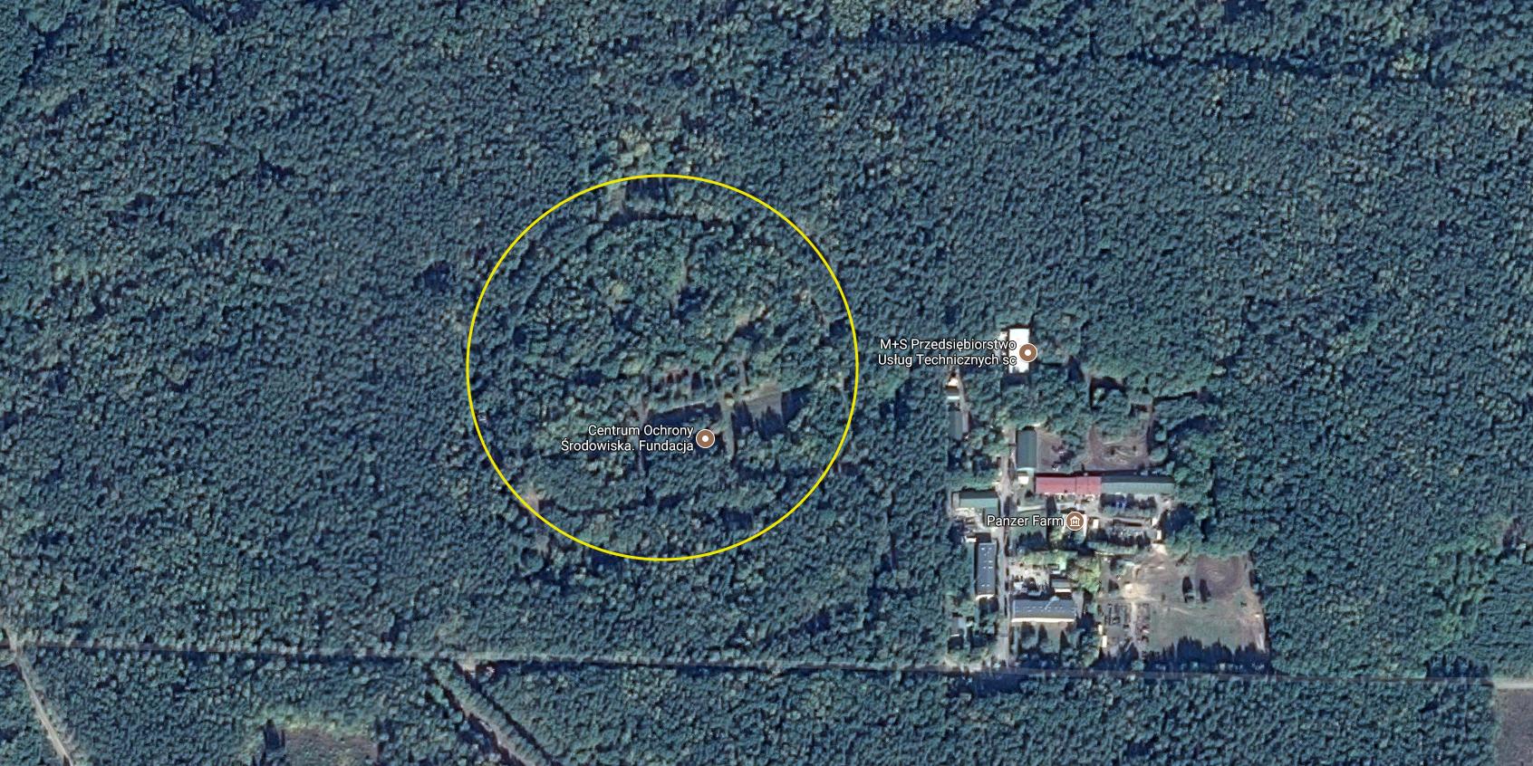 Byłe stanowiska przeciwlotniczych pocisków rakietowych. 2017r. Zdjęcie Google