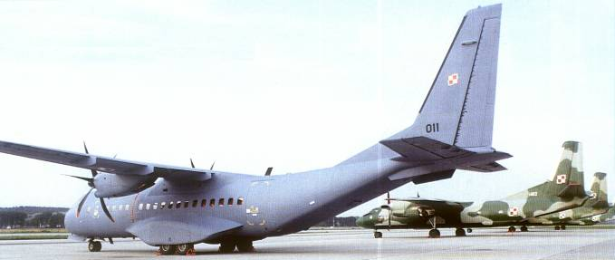 Przybycie do Balic CASA C-295 M nb 011. 2003r.