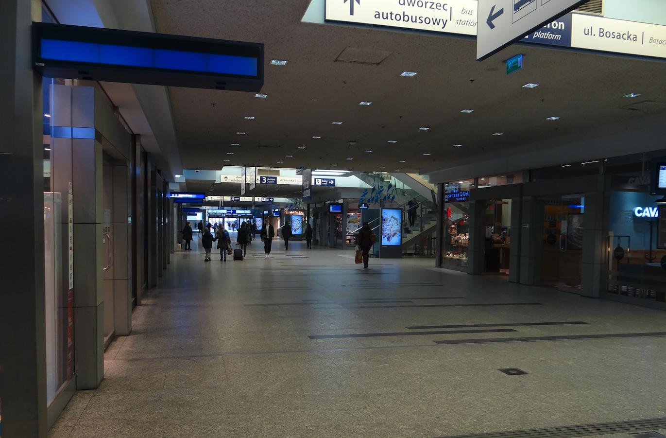 Dworzec podziemny. 2021 rok. Zdjęcie Karol Placha Hetman