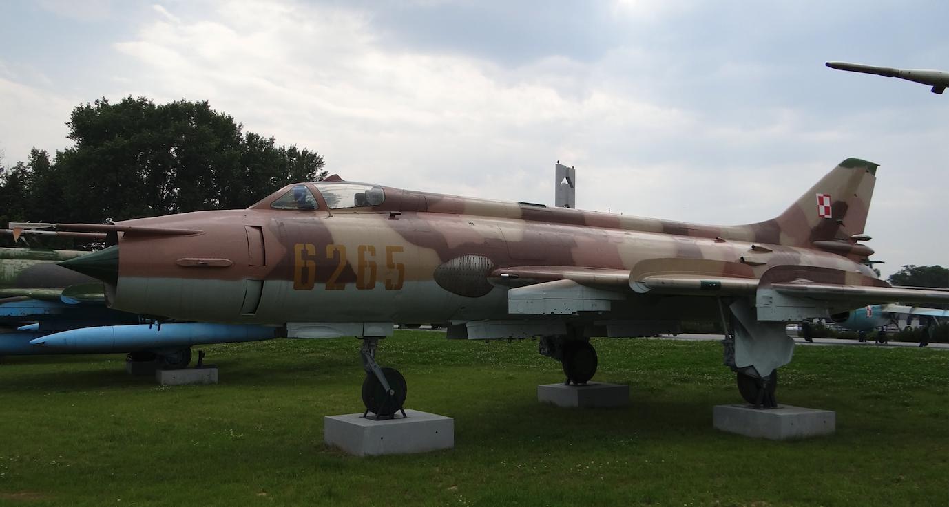 Su-20 nb 6265. Dęblin 2012 rok. Zdjęcie Karol Placha Hetman