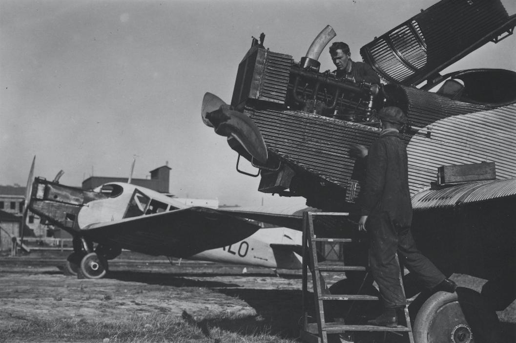 Polscy mechanicy przy samolocie Junkers F-13. 1926 rok. Zdjęcie Aerolot