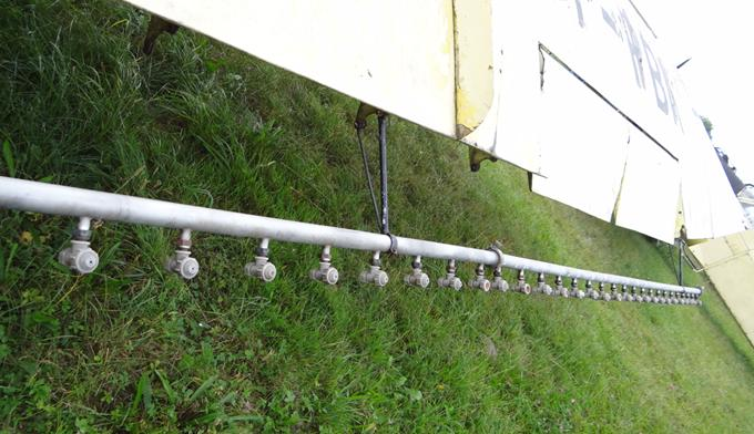 Instalacja do rozpylania środków płynnych z 88 dyszami. 2013r.