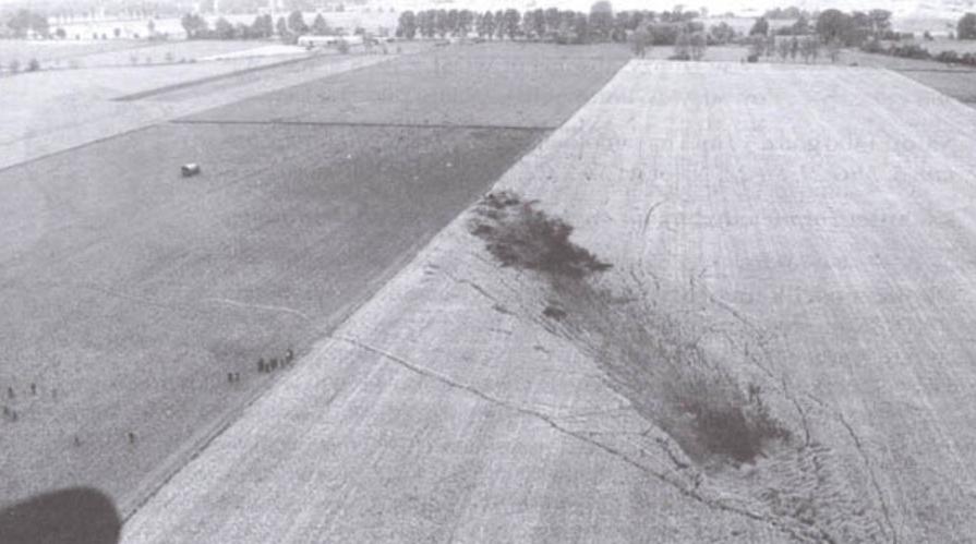 Su-20 plane crash site. 1995. Photo by LAC