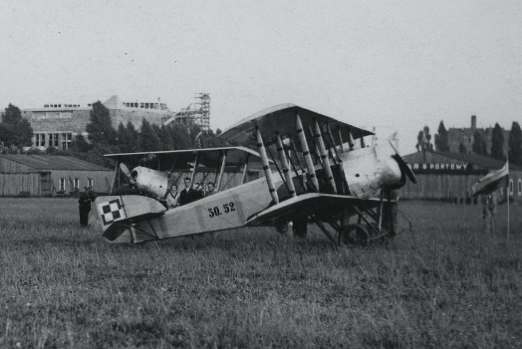 Hanriot H-28 nr 30.52. Lotnisko Mokotów. Zdjęcie LAC