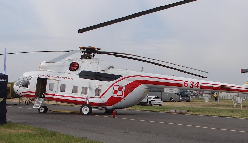Śmigłowiec Rządowy 1. Baza Lotnicza Mil Mi-8 PPD nb 634. 2015 rok. Zdjęcie Karol Placha Hetman