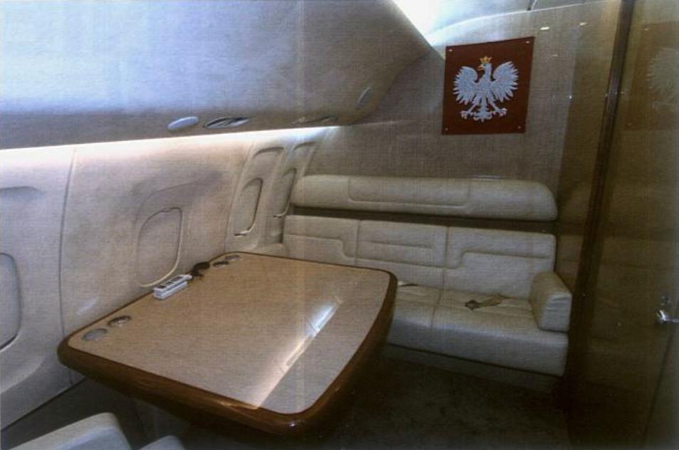 Tu-154 M nb 101. styczeń 2010 rok. Przedział Prezydenta. Zdjęcie LAC