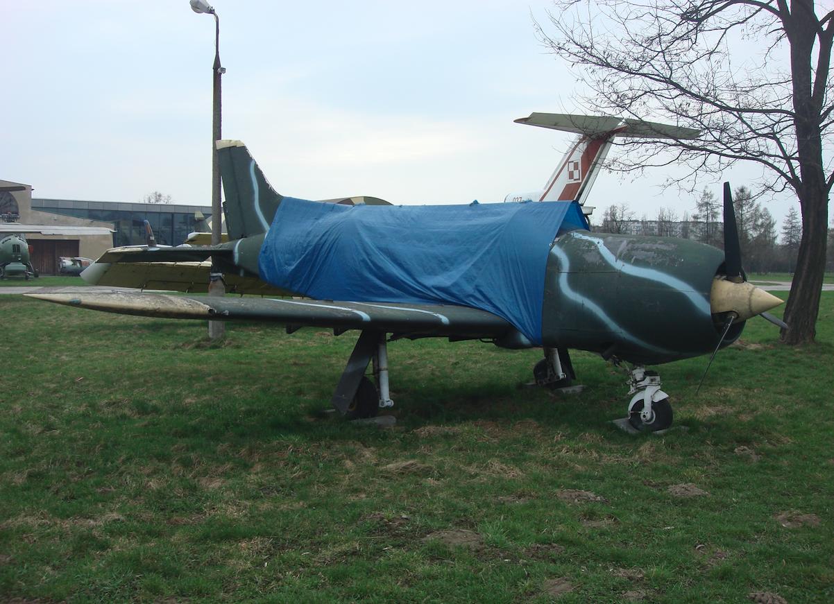 PZL-130 nb 003 w chińskim kamuflażu. 2011 rok. Zdjęcie Karol Placha Hetman