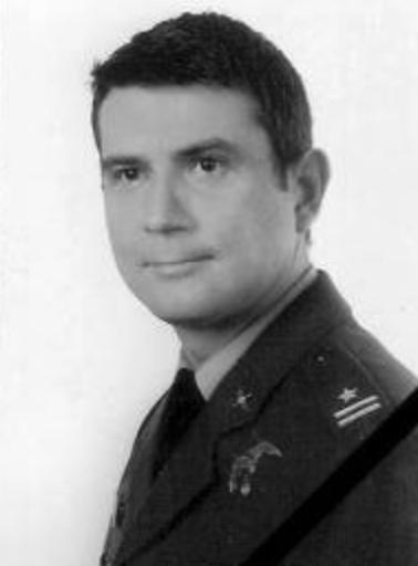 Major pilot Robert Marek Grzywna - co-pilot.