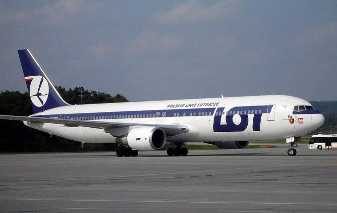 Boeing 767-300 ER SP-LPA Balice. 2004r.
