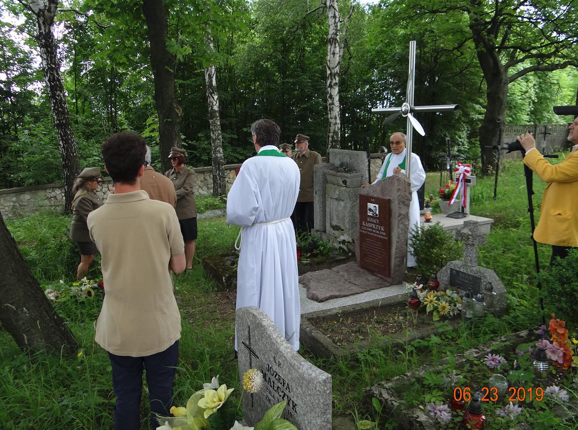 Uroczystości przy grobie Ignacego Kasprzyka. Płoki 2019 rok. Zdjęcie Karol Placha Hetman