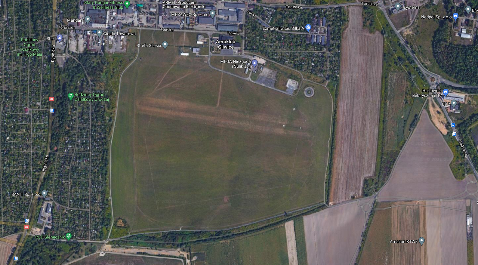 Lotnisko w Gliwicach. 2013 rok. Zdjęcie gogle