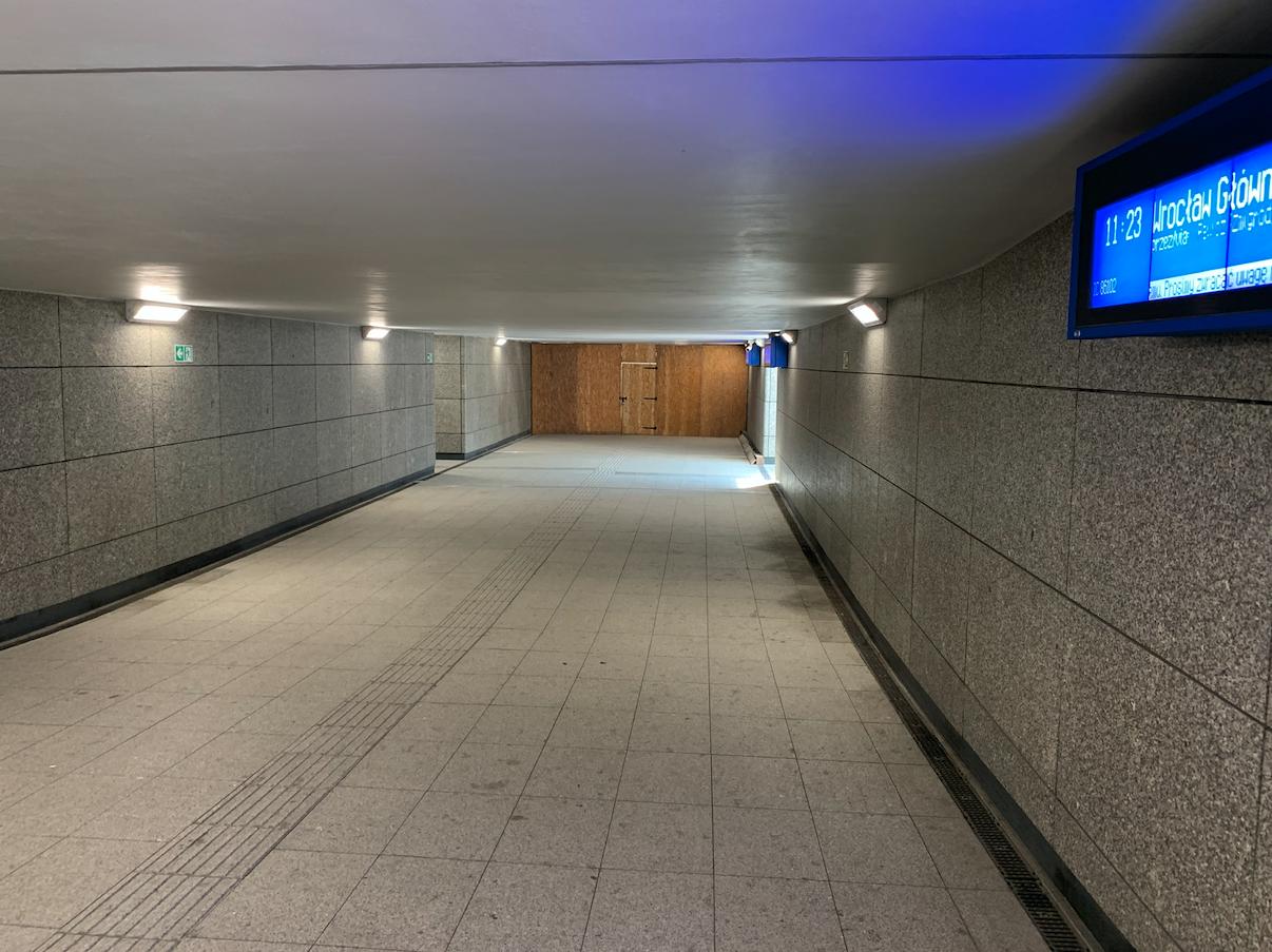 Tunel. Kierunek wschód do centrum miasta. 2021 rok. Zdjęcie Karol Placha Hetman